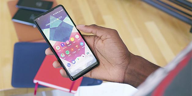 Google khẳng định màn hình Pixel 2 XL không bị lỗi, nhưng vẫn sẽ tung ra bản... sửa lỗi