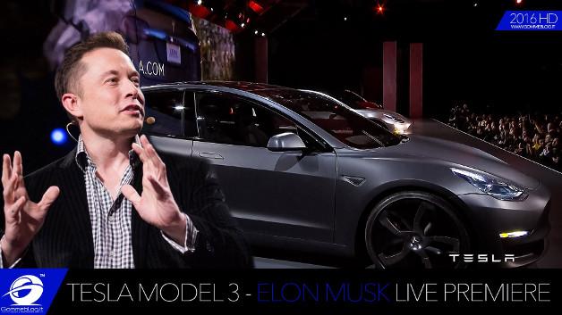 """Đồng sáng lập Apple: xe tự lái của Tesla """"nguy hiểm"""" và Tesla """"được lăng xê quá mức"""""""