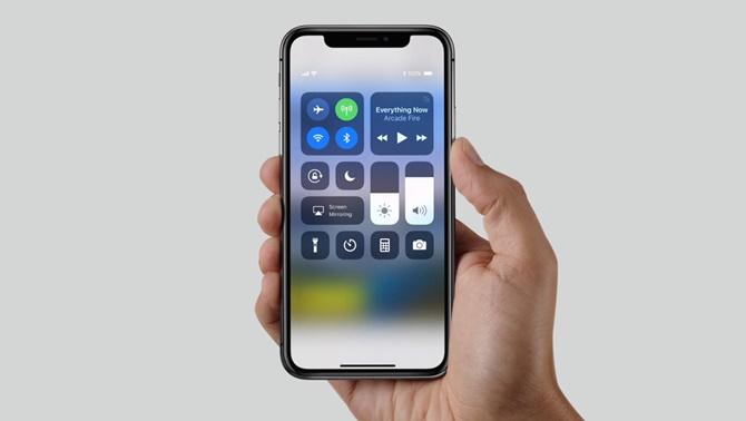 Apple bán được 46,7 triệu iPhone trong Quý 3/2017, cổ phiếu chạm mức cao nhất