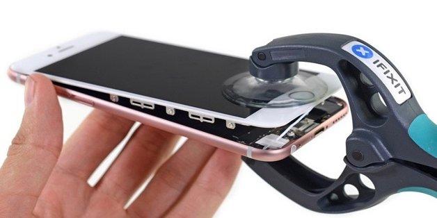 """iFixit đã trở thành đế chế """"mổ bụng"""" iPhone như thế nào?"""