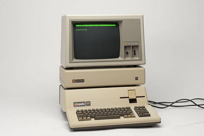 """10 """"cú phốt"""" bẽ bàng nhất trong lịch sử Apple ảnh 7"""