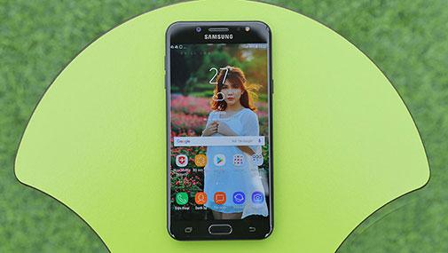 Đánh giá Samsung Galaxy J7 Plus