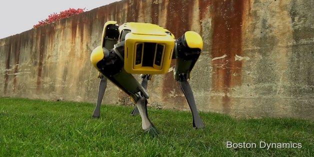 Robot SpotMini ra mắt phiên bản mới: nhỏ gọn và giống chó hơn