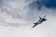 Loạt ảnh về siêu tiêm kích tàng hình Su-57 của Nga, kẻ tự xưng sẽ vượt mặt F-22 Raptor của Mỹ