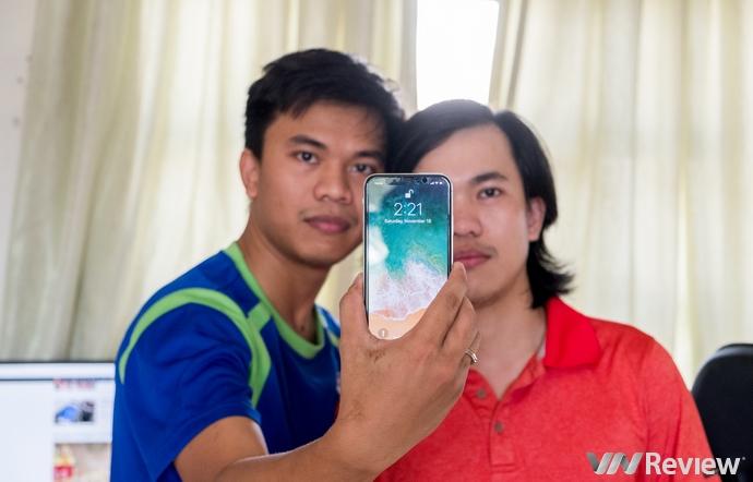 """Face ID trên iPhone X lại bị """"qua mặt"""" bởi 2 anh em người Việt có khuôn mặt khác nhau"""