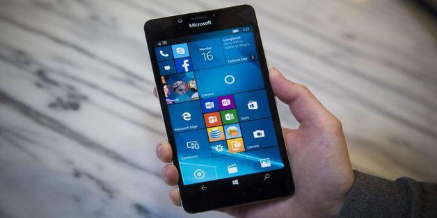 """Nhà phát triển game chỉ trích Microsoft chính là kẻ """"dìm chết"""" Windows Phone"""