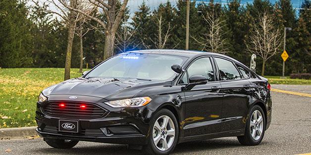 Ford giới thiệu mẫu xe tuần tra hybrid mới cho cảnh sát, chú trọng tính hiệu quả và kinh tế