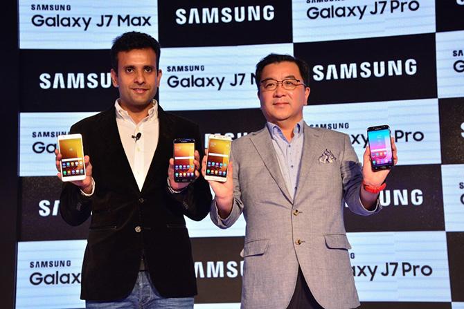 Tại sao bạn không nên mua ngay smartphone trong tháng đầu ra mắt? ảnh 5