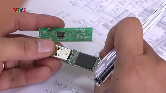 """USB """"không bị virus"""" của quân đội Việt Nam đã được thương mại hóa, bản 8GB giá 880 ngàn đồng ảnh 1"""