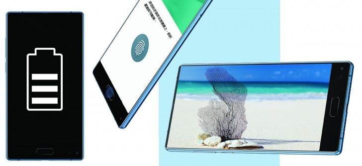 Panasonic giới thiệu Eluga C với 3 cạnh viền siêu mỏng, camera kép