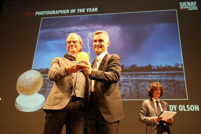 Những bức ảnh động đến trái tim người xem từ cuộc thi Siena International Photo Awards 2017 ảnh 1
