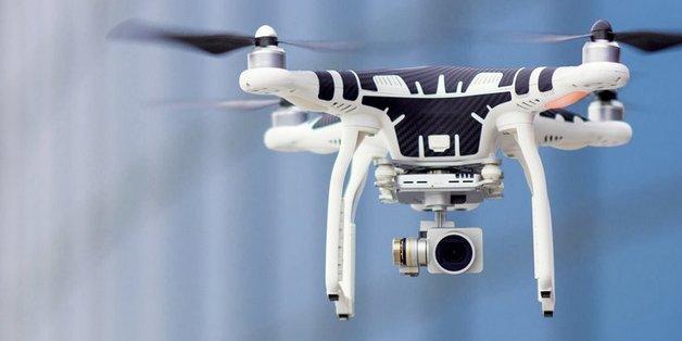 Sắp có tiểu bang đầu tiên tại Mỹ cấm người say rượu điều khiển drone