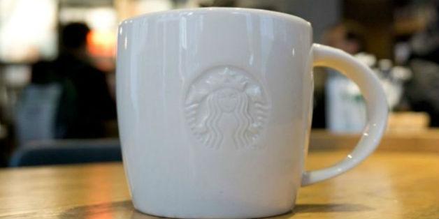WiFi một quán cà phê Starbucks lợi dụng máy tính khách hàng để đào Bitcoin