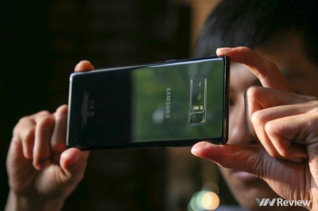 Nếu không có gì đột biến, điện thoại Samsung sẽ đánh mất thị phần trong năm 2018?