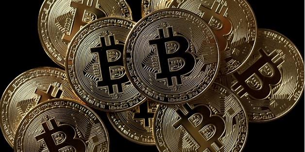 Nhà sáng lập Bitcoin lọt top 50 người giàu nhất thế giới