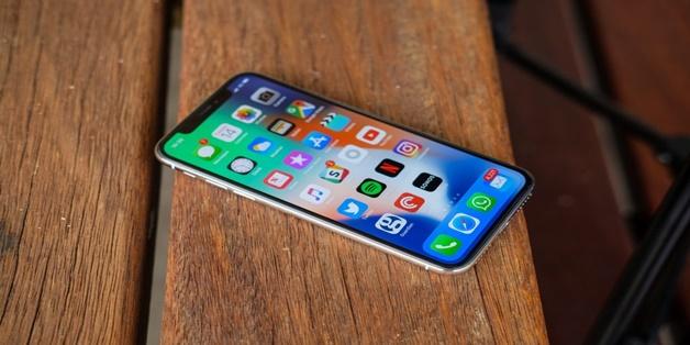 Dù khởi sắc nhưng doanh số bộ ba iPhone X, 8 và 8 Plus vẫn chưa thể đánh bại bộ đôi iPhone 6 và 6 Plus