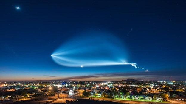 """Video time-lapse màn """"xé toạc bầu trời"""" của tên lửa Falcon 9"""