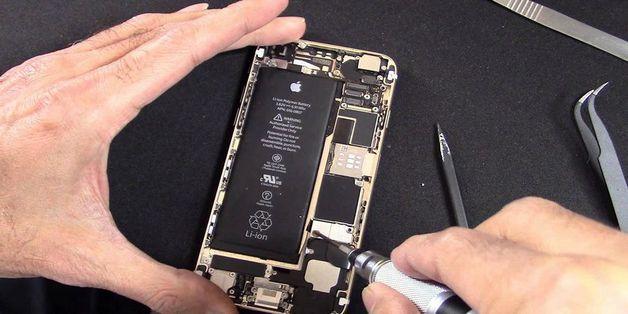 """Apple lại dính bê bối """"thay pin đã chai"""" cho người dùng đổi pin mới"""