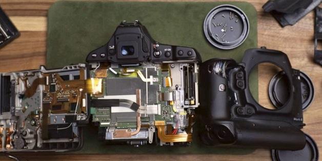Bên trong chiếc máy ảnh Canon trị giá 6000 USD có gì?