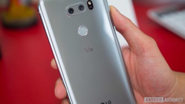 CEO LG: Chúng tôi sẽ ra smartphone mới khi cần thiết, chứ không phải vì cạnh tranh với đối thủ