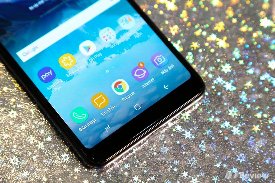 Mở hộp và trên tay Samsung Galaxy A8+ (2018): mở khóa khuôn mặt, selfie xóa phông - ảnh 3