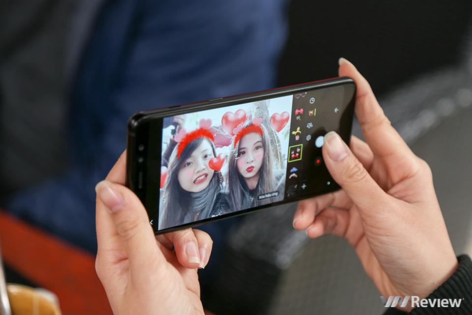 Mở hộp và trên tay Samsung Galaxy A8+ (2018): mở khóa khuôn mặt, selfie xóa phông - ảnh 30