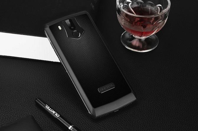 Smartphone pin 11000mAh bắt đầu mở bán, giá 250 USD