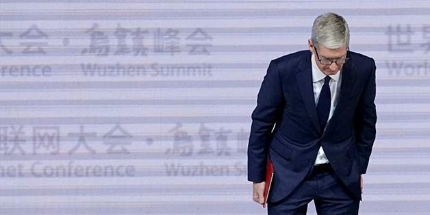 Tim Cook: Apple đã báo với người dùng về việc làm chậm iPhone, chỉ là họ không để ý thôi