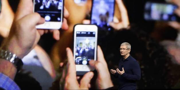 Không chỉ Apple, người dùng kiện cả CEO Tim Cook vì làm chậm iPhone