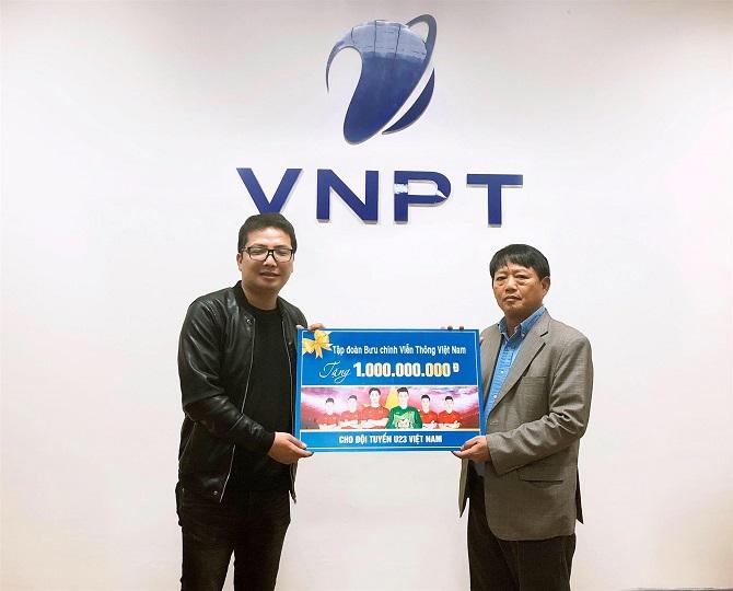 """Giành ngôi á quân, U23 Việt Nam được VNPT tặng """"nóng"""" 1 tỷ đồng"""