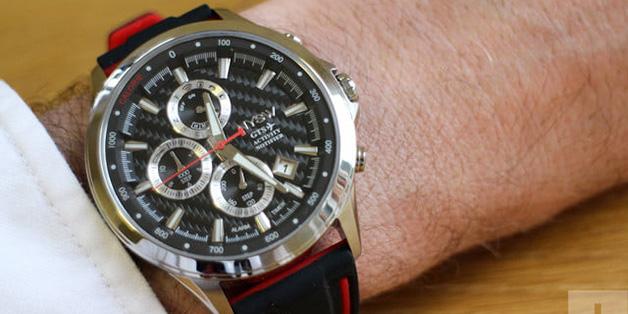 Smartwatch lai là gì? Liệu nó làm vừa lòng fan đồng hồ cổ điển lẫn smartwatch hay không?