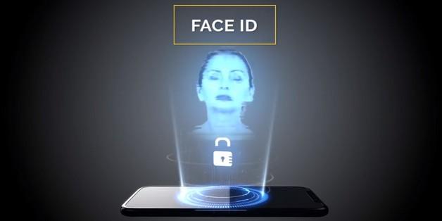 Khi iPhone X được nâng cấp thêm máy chiếu và mở khóa bằng 3D Hologram