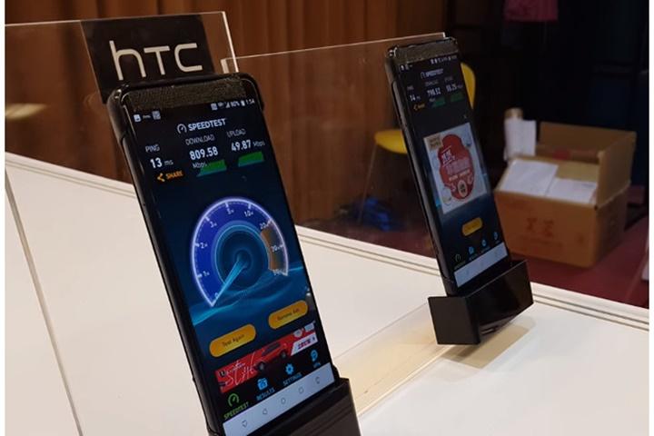 Lộ diện hình ảnh thực tế đầu tiên của HTC U12