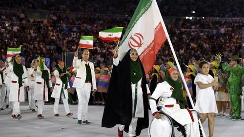 Iran tức giận vì vận động viên không được tặng điện thoại ở Olympic