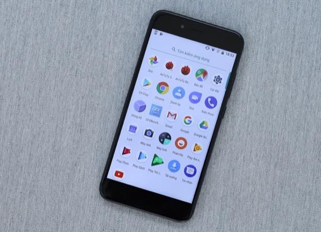 """Xiaomi tức tốc xóa bài thăm dò ý kiến người dùng """"thích MIUI hay Android One hơn"""""""