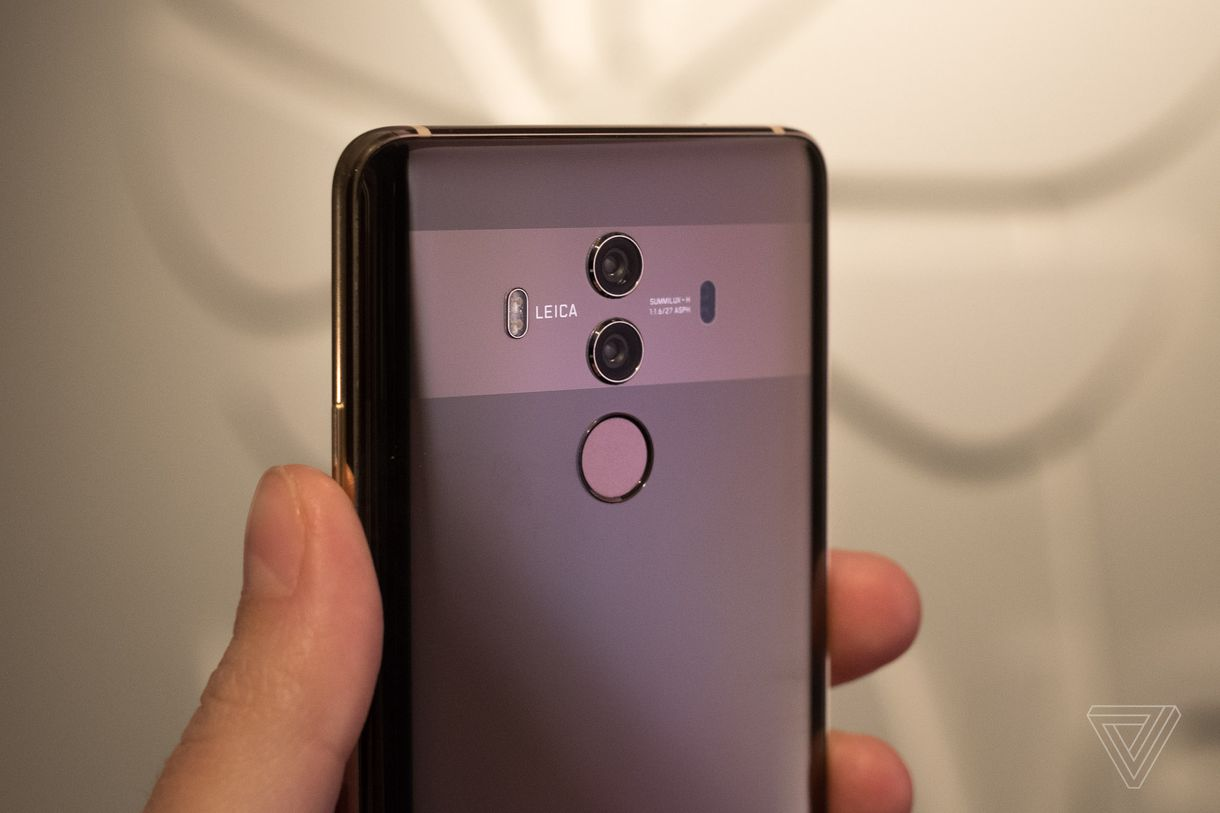 Huawei dính phốt thuê người review ảo cho flagship Mate 10 Pro - ảnh 1