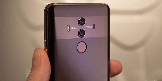 """Huawei dính """"phốt"""" thuê người review """"ảo"""" cho flagship Mate 10 Pro"""