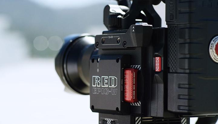 RED kết hợp với Foxconn để tạo ra chiếc máy ảnh 8K nhỏ hơn, rẻ hơn