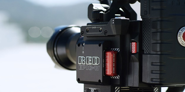 RED hợp tác với Foxconn để tạo ra chiếc máy ảnh 8K nhỏ hơn, rẻ hơn