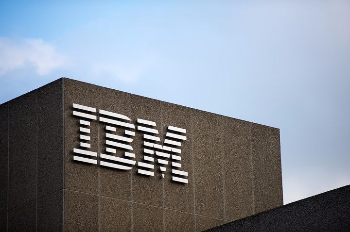 IBM kiện Microsoft vì thuê lại cựu nhân viên biết quá nhiều bí mật - ảnh 1