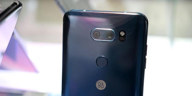 LG V30S ThinQ: Chỉ là chiếc V30 có thêm RAM và AI