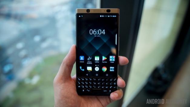 """Doanh số tồi tệ chưa đầy 1 triệu điện thoại được bán, nhưng BlackBerry vẫn xem là """"thành công"""""""
