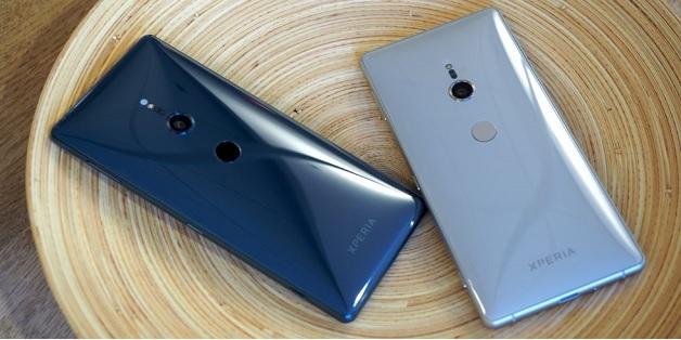 Flagship mới nhất của Sony không hề giống iPhone X, và đây là lý do tại sao