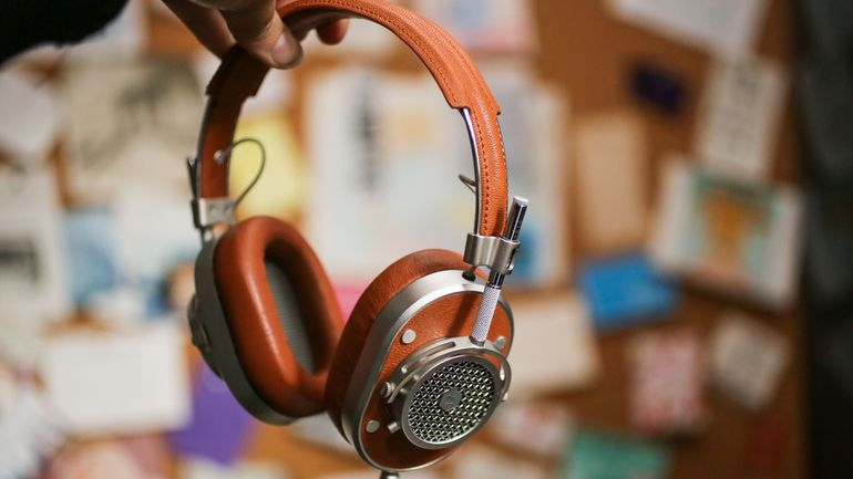 """Tai nghe audiophile: Khi """"đẹp không phải là cái tội"""""""