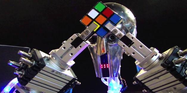 [Video] Chiêm ngưỡng khả năng giải khối rubik siêu nhanh của robot