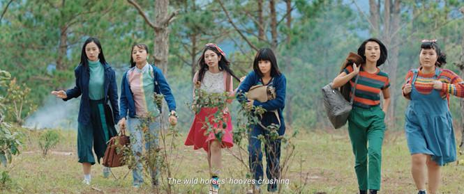 """""""Tháng năm rực rỡ"""": ăn theo phim Hàn có làm nên thành công?"""