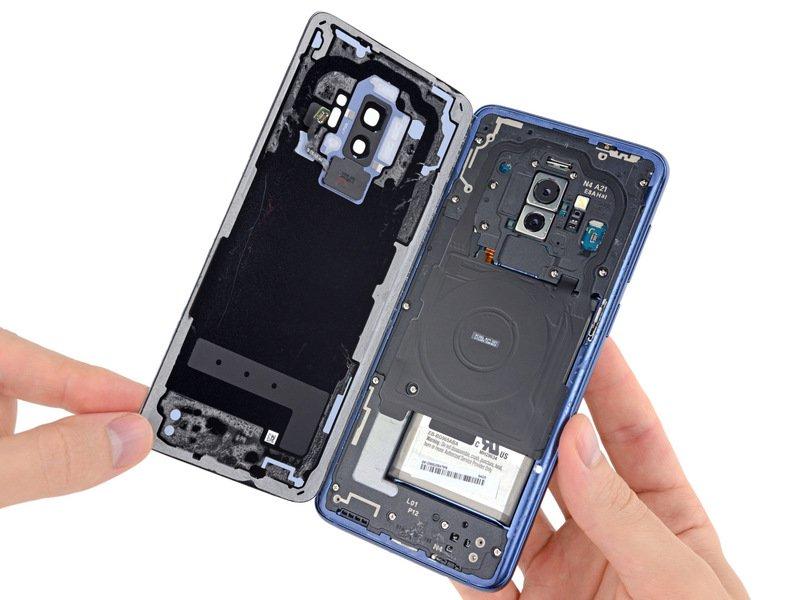 Mổ bụng Galaxy S9+: khó tháo gỡ, linh kiện kiểu module, thay thế từng phần tốt - ảnh 2
