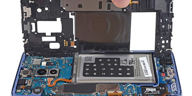 """""""Mổ bụng"""" Galaxy S9+: khó tháo gỡ, linh kiện kiểu module, thay thế từng phần tốt"""
