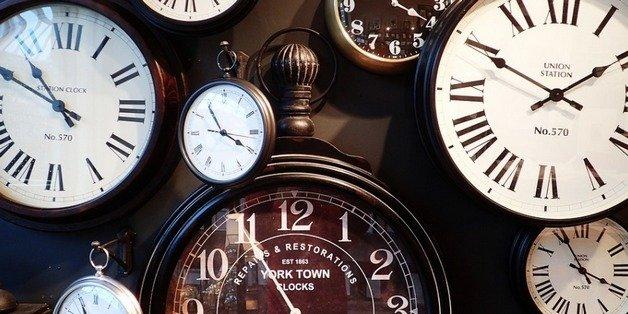 Đồng hồ đang chạy chậm tới 6 phút trên khắp châu Âu vì tranh cãi... ai trả tiền điện