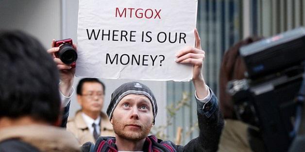 """Cộng đồng bitcoin giận dữ trước động thái xả hàng của """"cá mập"""" Nhật Bản"""